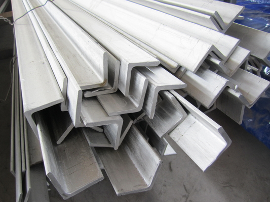 China 6m Grade 304 Stainless Steel Angle Bar Polished Peeled Grinding supplier