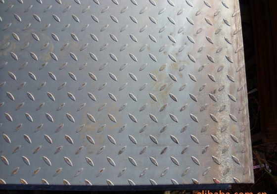 St37 ASTM A36 Checker Steel Plate 10mm Thick Black or Silver Color